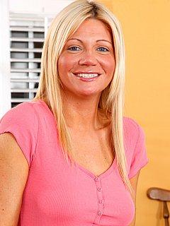 Christina Skye