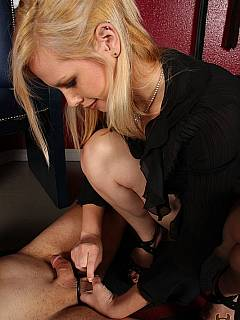 Hot blonde shows the way balls can be crushed with her knee and with high heel shoe