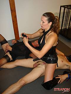 StraponCum: Strap-on Training - filme N18648806