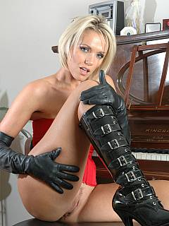 Tight cores and kinky boots are the thing she is wearing to tease you