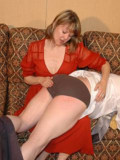 Husband is having the best birthday present ever: wife spanks him OTK