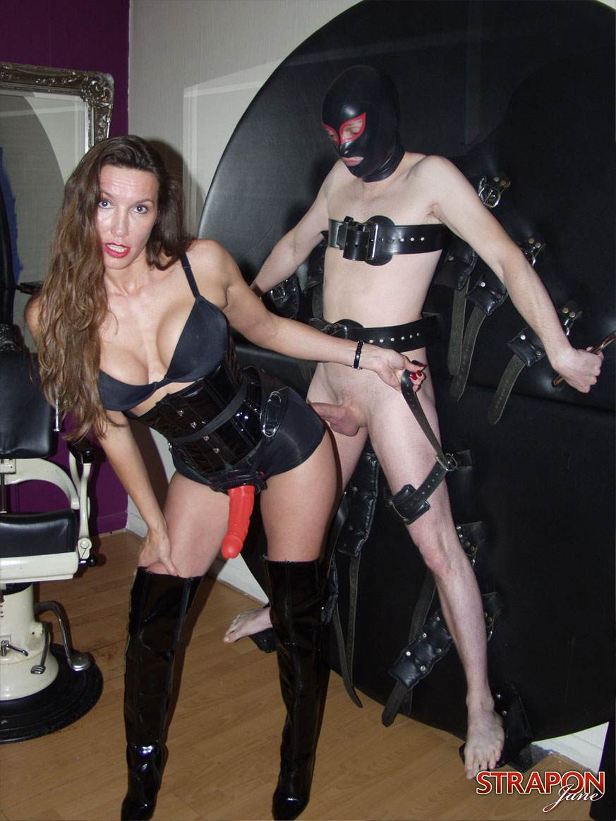 escorte trondheim strapon mistress