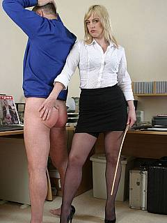Dominant lady boss loves when all the men in her office starting their working day with nicely whipped