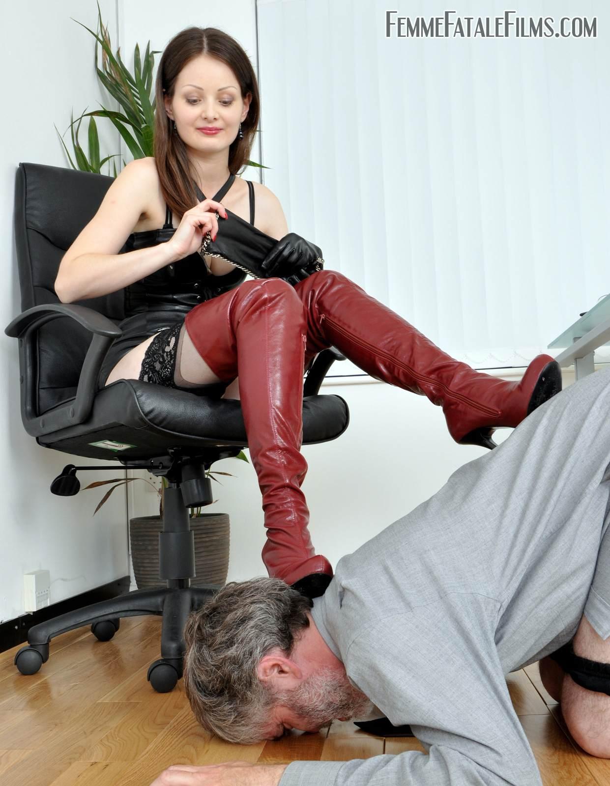 Olga kurylenko nude pic