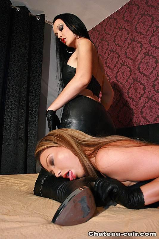 leather pants lesbian Strapon