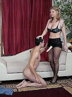 Verbal humiliation is just a beginning: bitchy MILF is going to use strap-on sex toy to degrade student sexually
