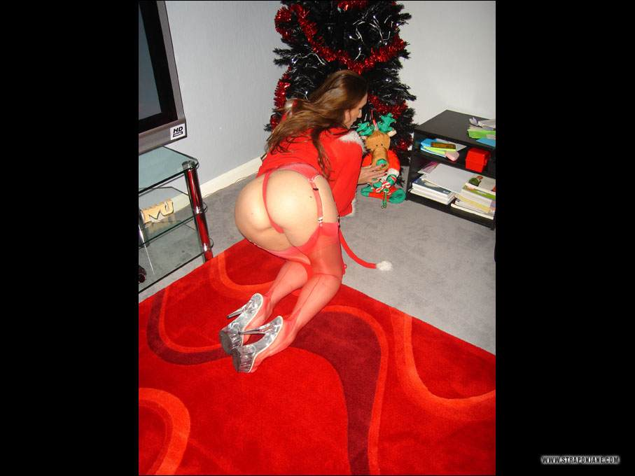 Picture #5 of Leggy mistress is looking for kinky presents under the new year tree