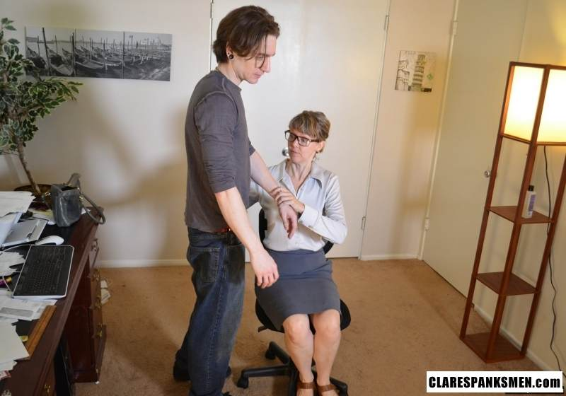 Picture #2 of Office dude is getting spanked OTk by the strict lady boss for browsing internet at working place