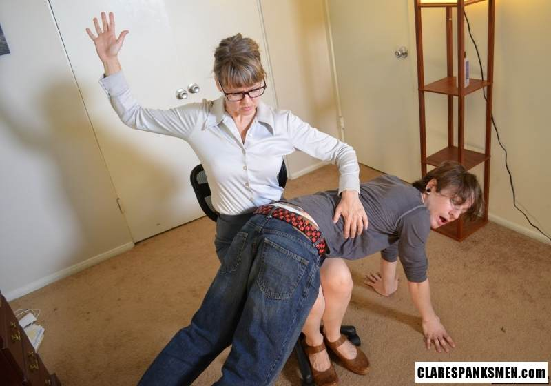 Picture #3 of Office dude is getting spanked OTk by the strict lady boss for browsing internet at working place