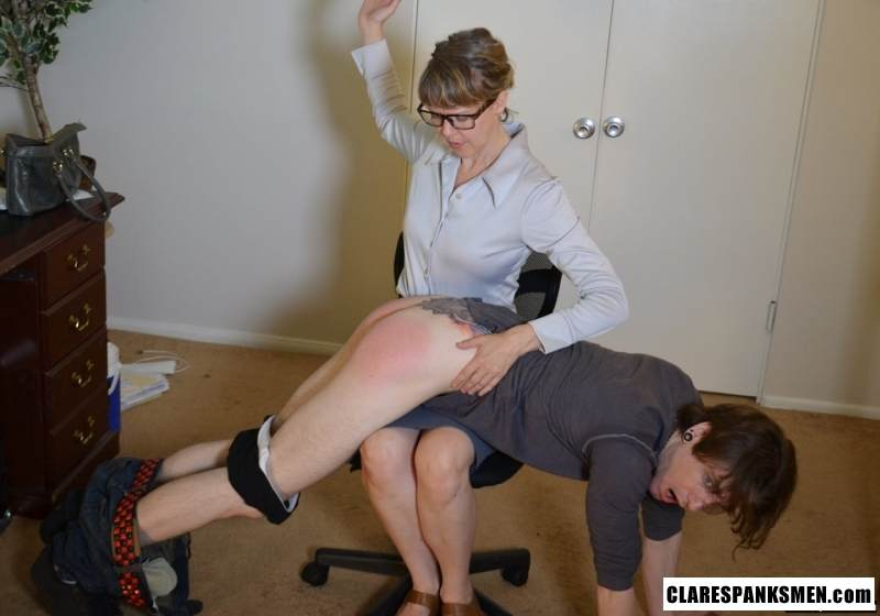 Picture #8 of Office dude is getting spanked OTk by the strict lady boss for browsing internet at working place
