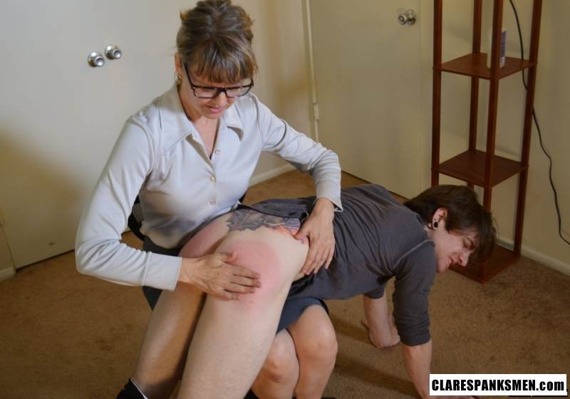 Picture #9 of Office dude is getting spanked OTk by the strict lady boss for browsing internet at working place