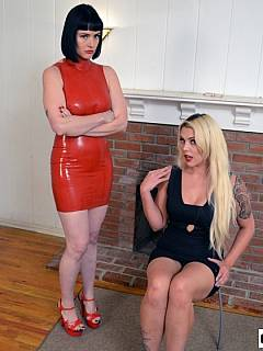 Professional dominatrix is giving housewife tips on how to spank her husband the proper way