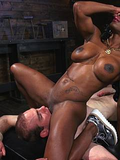 Black bodybuilder dominatrix is taking over the white man: armed with bondage and strap-on