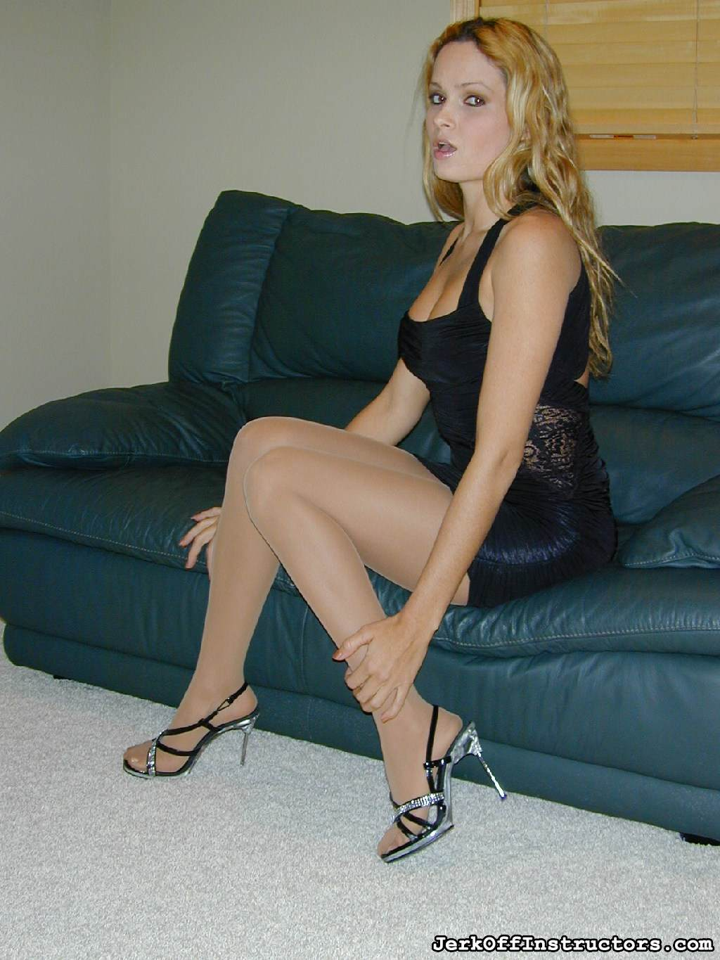 Picture #1 of Mistress loves the feeling of hard sex toy inside her nuch better that your weak penis that only penetrating wto inches of her pussy