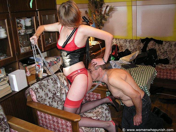 Picture #5 of Bitchy woman assigned dude two tasks: to wash her shoes and to lick her pussy afterwards