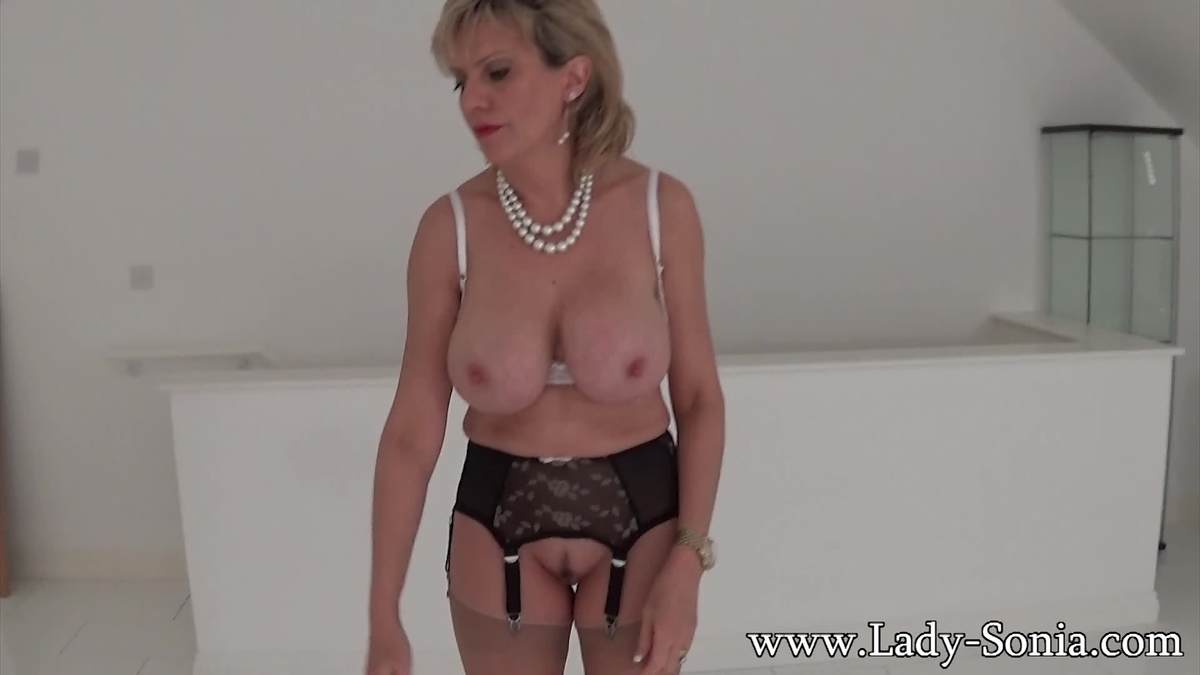 Picture #4 of Experienced MILF whore is going to use her erotic charms to make you hard, tease your penis but deny every possible orgasm