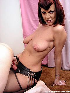 MILF lady feels all natural with strap-on cock attached and banging male in his ass