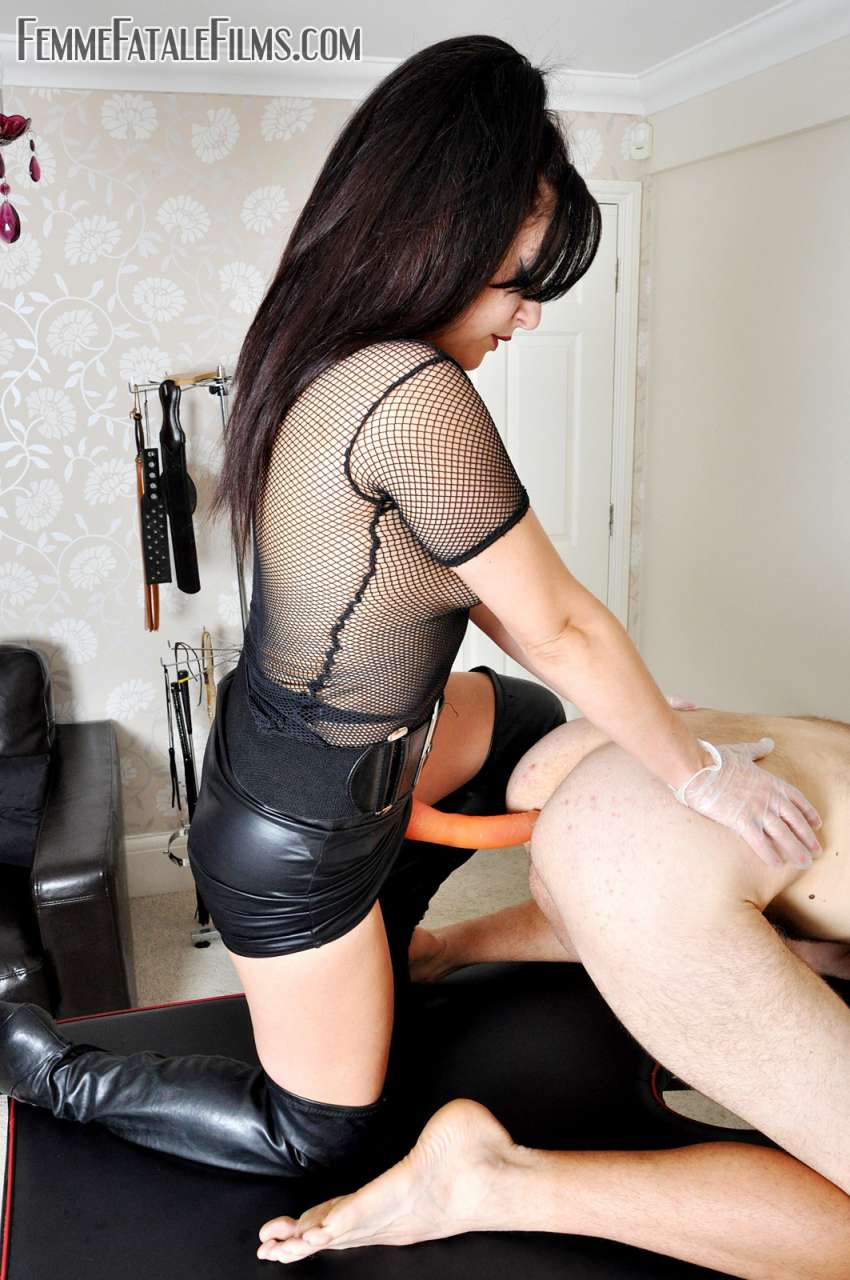 Picture #9 of Deep anal penetration is the reward collared slave having for polishing leather knee-boots