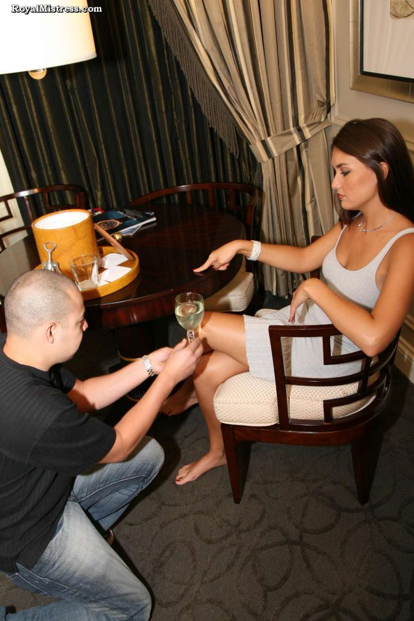 Picture #1 of That man knows for sure that bare female feet smell nice and taste amazing