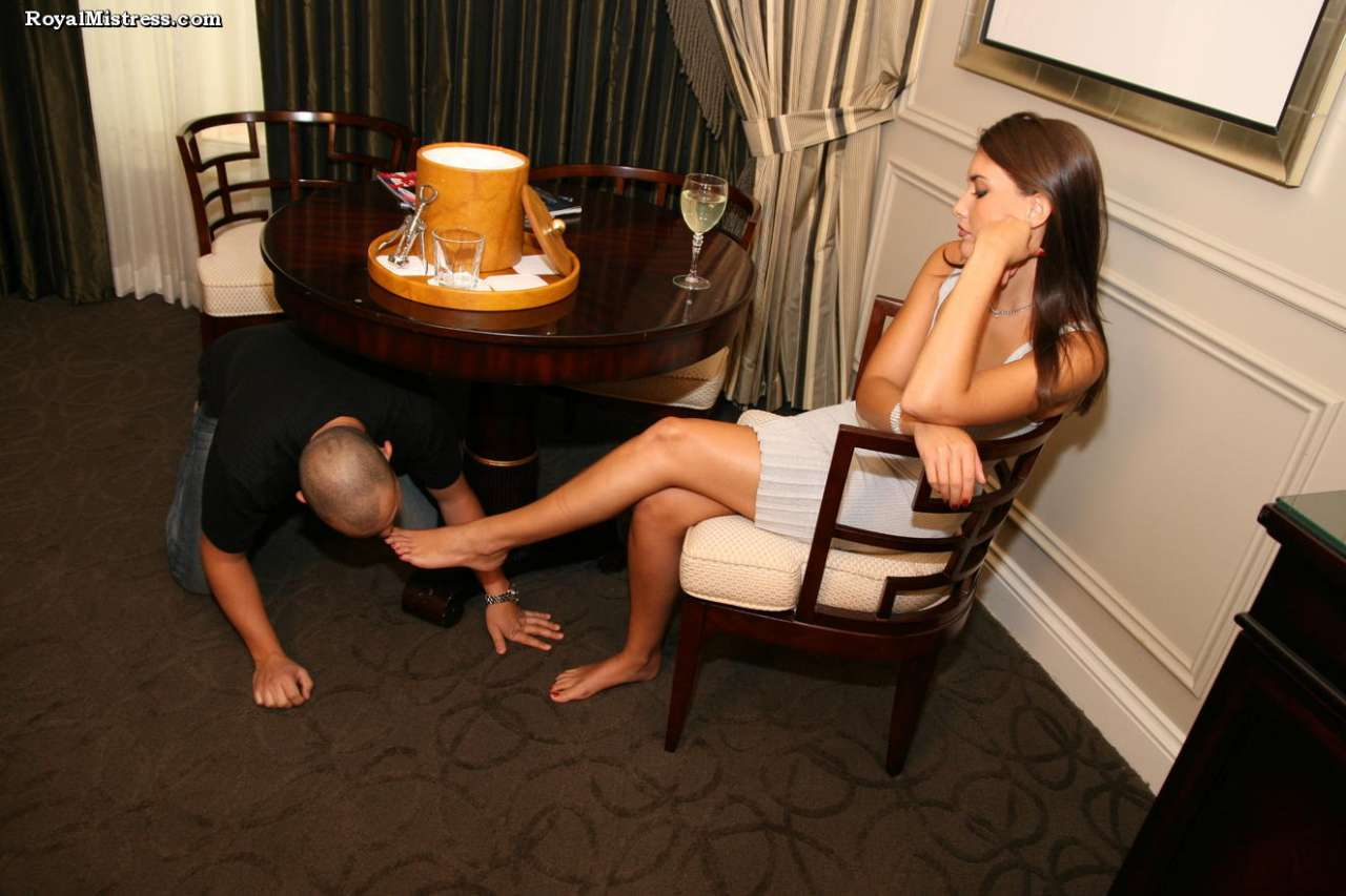 Picture #3 of That man knows for sure that bare female feet smell nice and taste amazing
