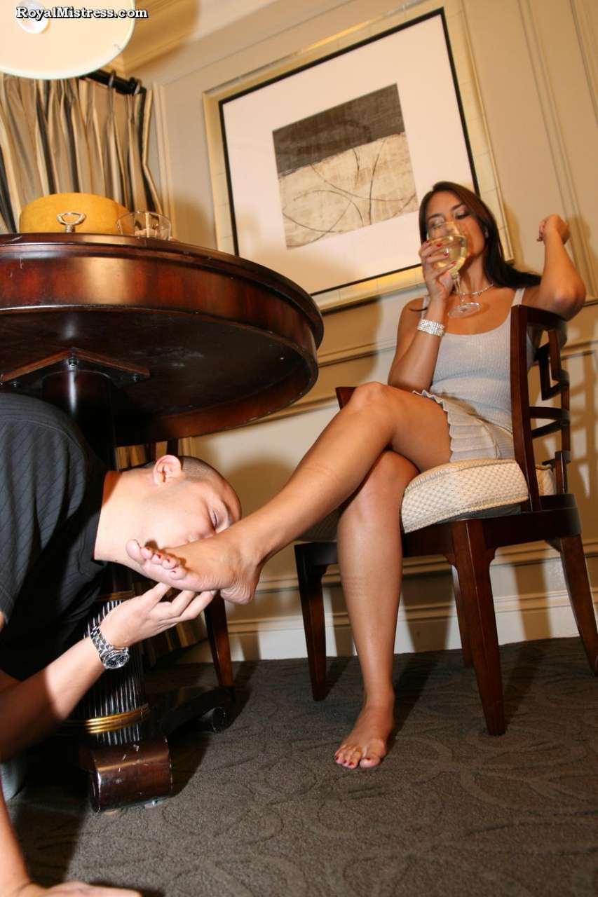 Picture #5 of That man knows for sure that bare female feet smell nice and taste amazing