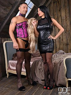 Dude has way too small penis to pleasure dominatrix Anissa Kate but he will do fine as a sissy