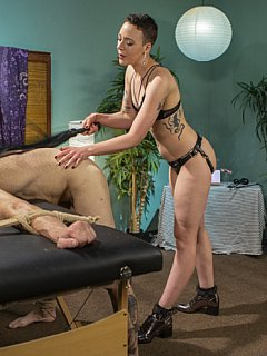 Sometimes female masseur Lilith Luxe is going beyond the limits providing men with painful but pleasant femdom torments