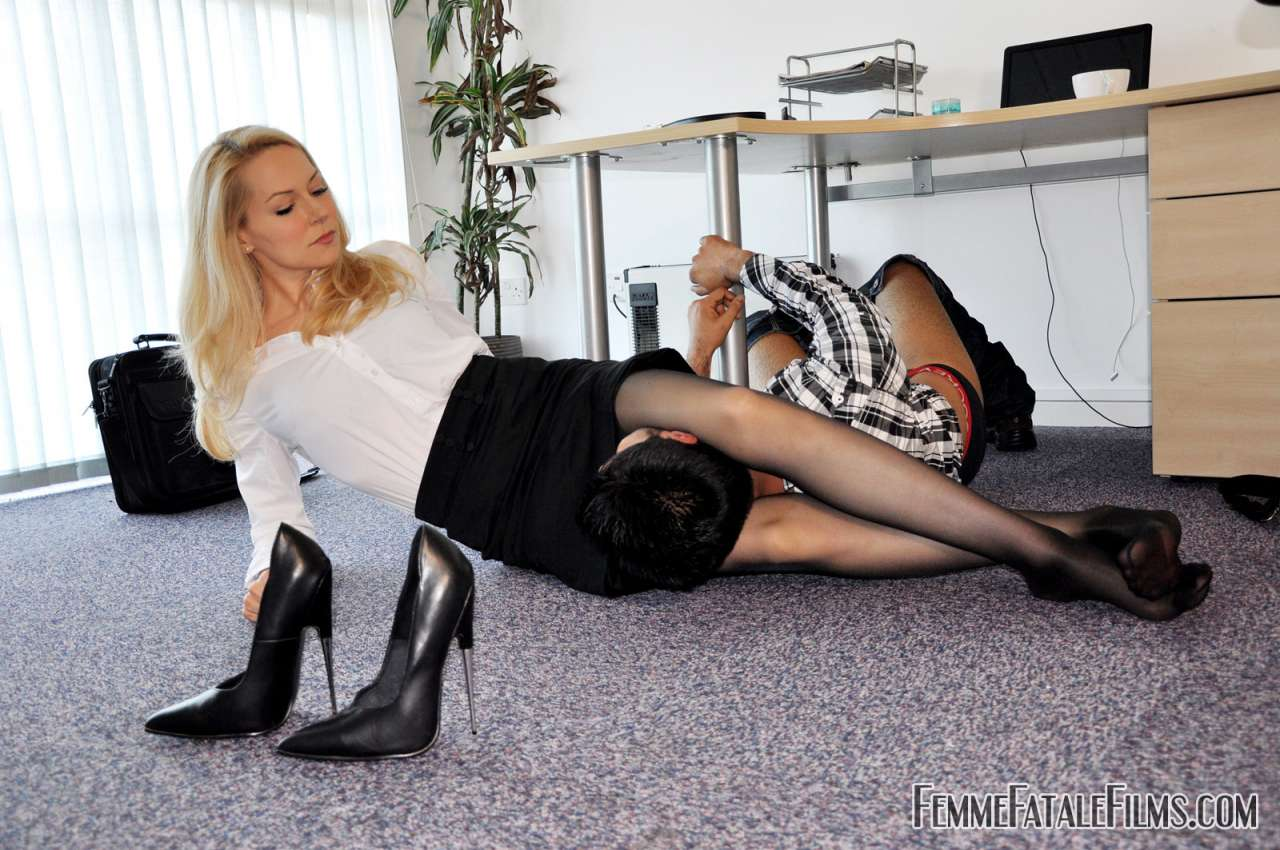 Picture #11 of Computer guy is punished for looking sexy boss under the skirt: he is trampled, smothered and crushed in between sexy legs