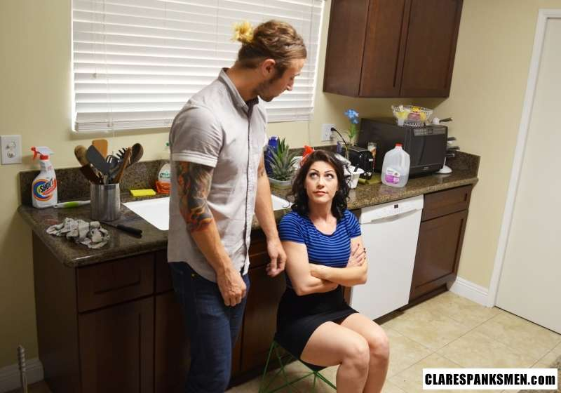 Picture #3 of Handyman is not doing a good job and OTK ass spanking is the only thing he gets from the sexy housewife in return