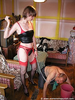 Bitchy wife manages to create of kinky femdom mix of house cleaning and dominating her husband