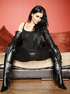 Black leather knee boots makes this Goddess look exceptionally sexy and linking them is the first thing you have to start worshiping with