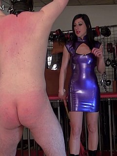 Slut put on purple rubber to feel herself kinkier when beating up helpless man with the whip and scratching his back