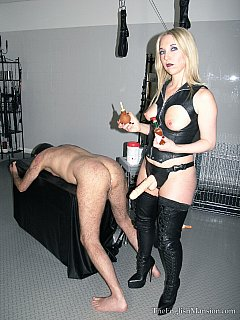 Experienced mistress has the right kind of BDSM chamber and a full set of torture tools to break a man in one femdom session